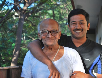 grandfather-relationships-healthy-happy-grandson-respect