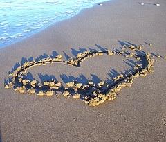 heart_sand_beach_sunset