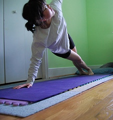 yoga-pose-plank-sideways-mats-healthy-exercise